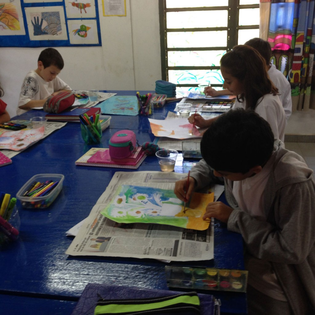 extracurricular activities in school The advantages of extracurricular activities students have the opportunity to participate in a variety of extracurricular activities during their time at school.